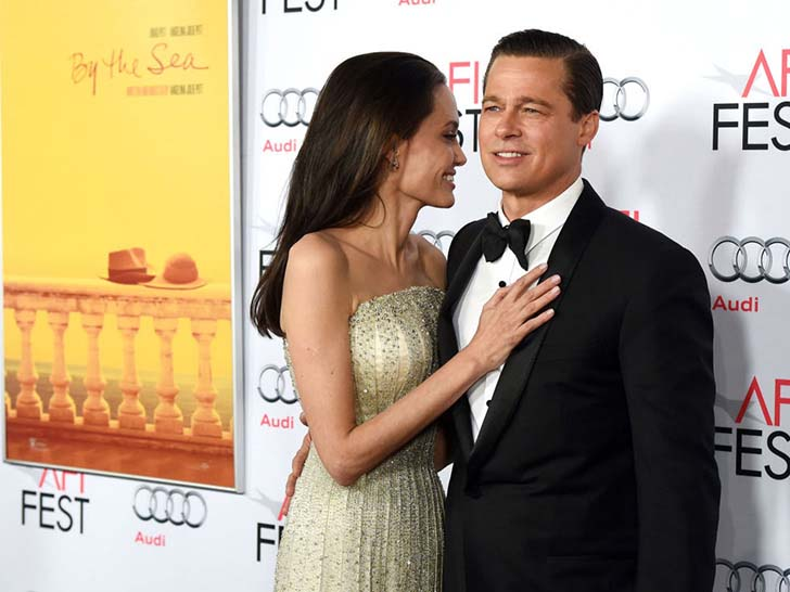 45-photos-of-brad-pitt-and-angelina-jolie-looking-in-love-through-the-years_1.jpg