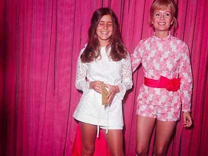 25 Vintage Photos Of Carrie Fisher And Debbie Reynolds Growing Up Happily Together