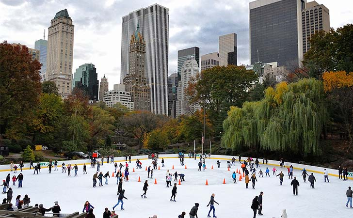 10-most-impressive-ice-skating-rinks-in-the-us_4