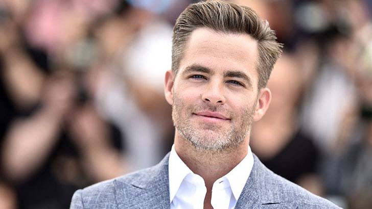 10-sketchy-things-everyone-ignored-about-chris-pine_10