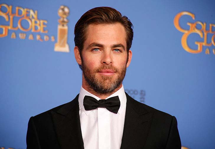 10-sketchy-things-everyone-ignored-about-chris-pine_8