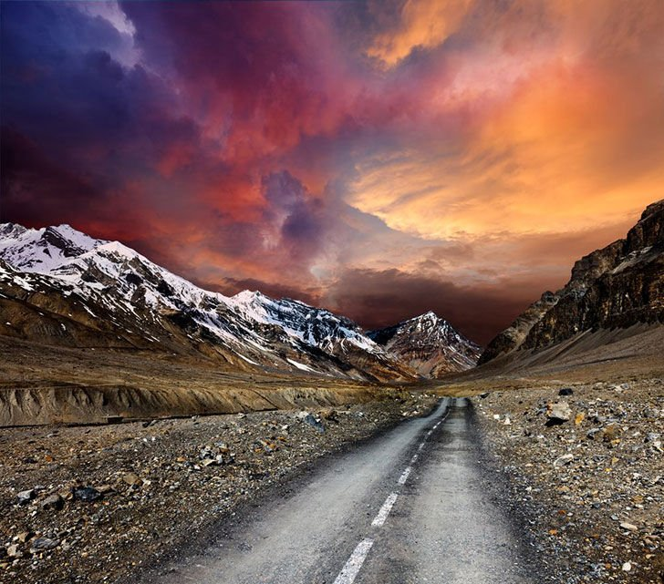 15-of-the-most-incredibly-beautiful-roads-in-the-world_1