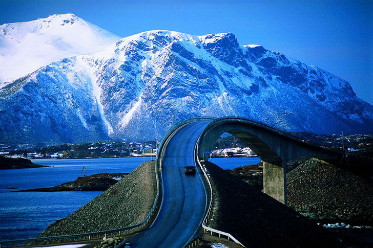 15-of-the-most-incredibly-beautiful-roads-in-the-world_2