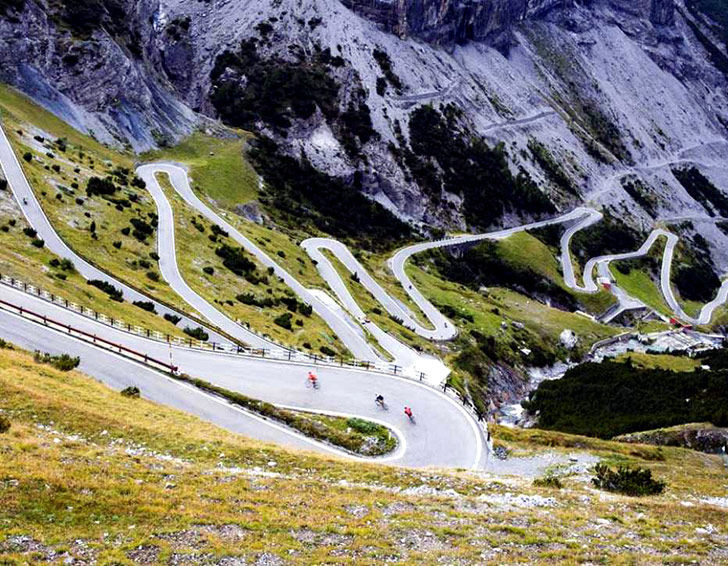 15-of-the-most-incredibly-beautiful-roads-in-the-world_6