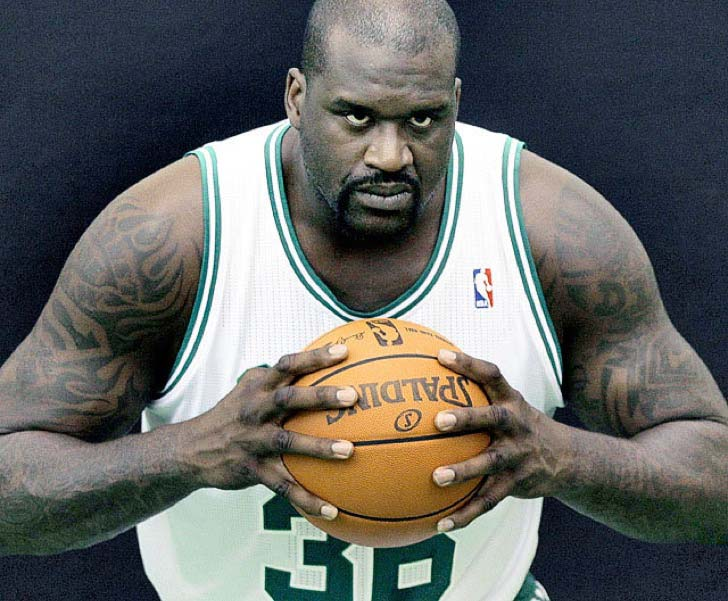 15-times-shaq-made-things-look-really-small_3