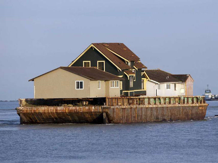 16-crazy-facts-about-bill-gates-house_10