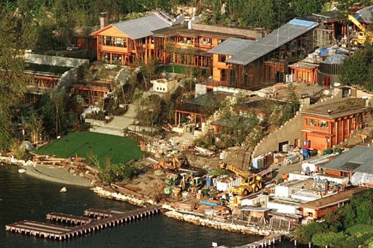 16-crazy-facts-about-bill-gates-house_17