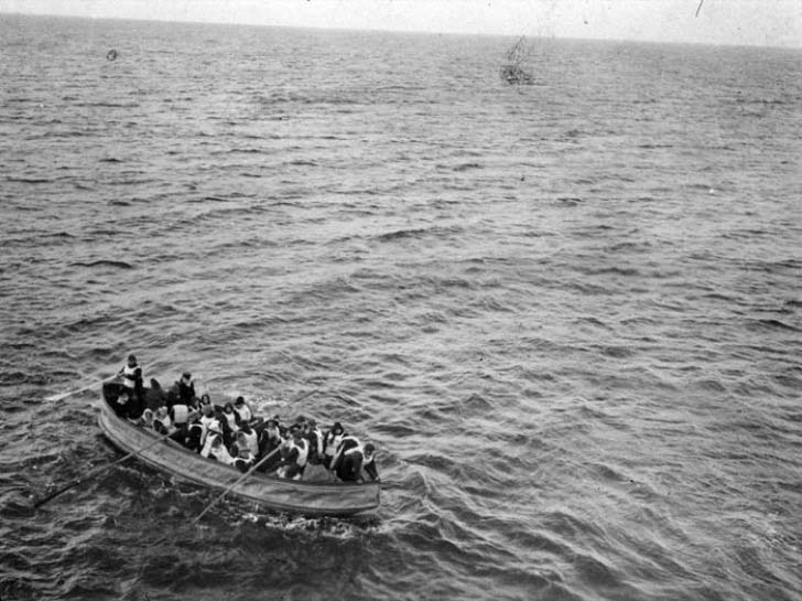 16-real-photos-of-the-titanic-disaster-guaranteed-to-give-you-chills_9