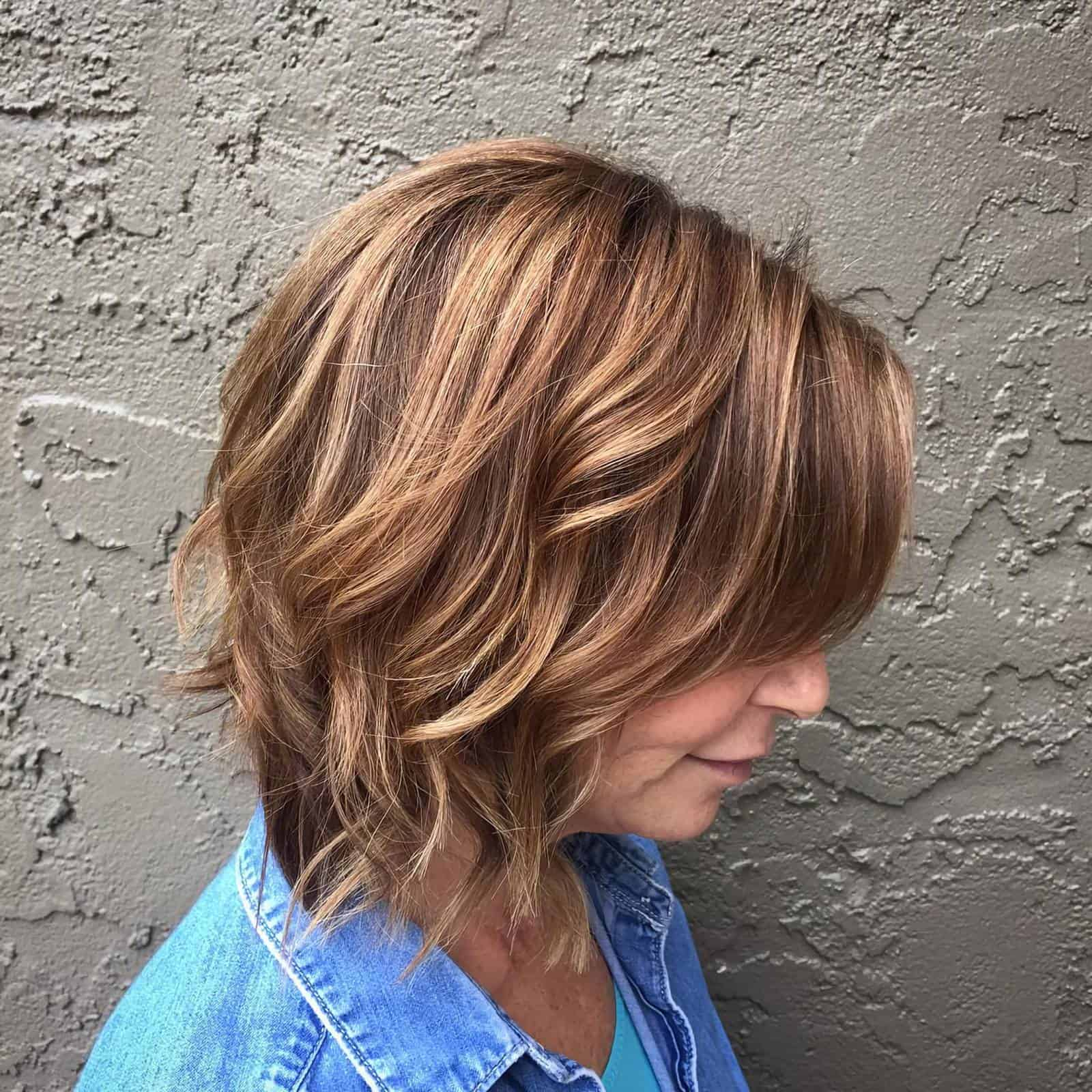 20 Best Short Hairstyles For Women Over 60_25