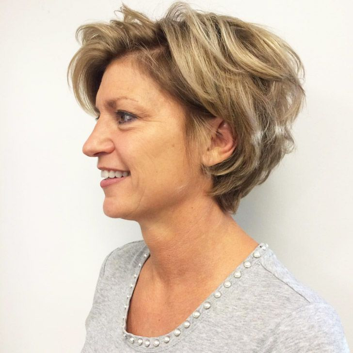 20 Best Short Hairstyles For Women Over 60_27