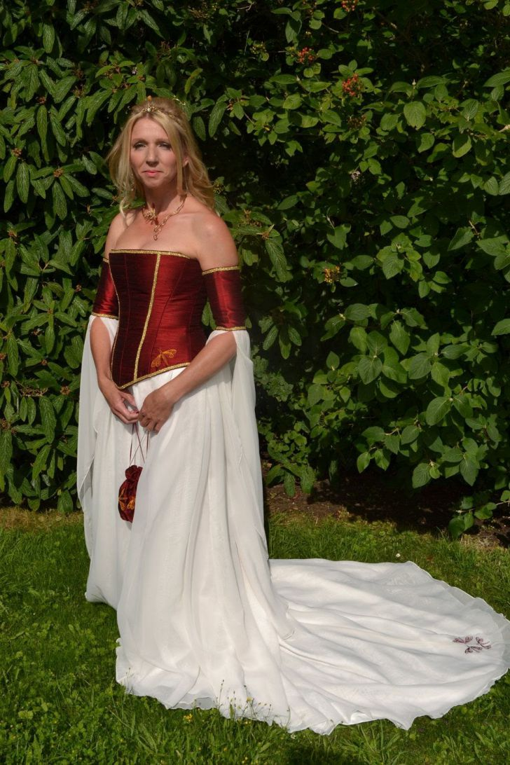 20 Most Creative Wedding Dresses You've Ever Seen_10