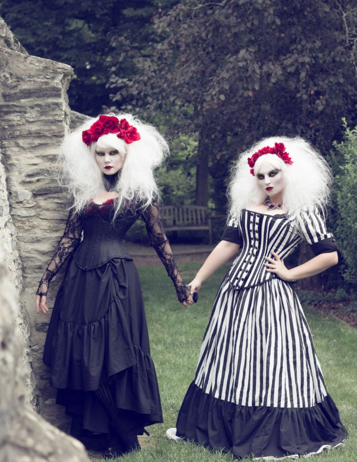 20 Most Creative Wedding Dresses You've Ever Seen_11