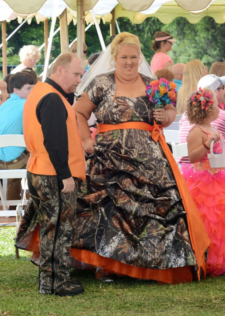 20 Most Creative Wedding Dresses You've Ever Seen_13