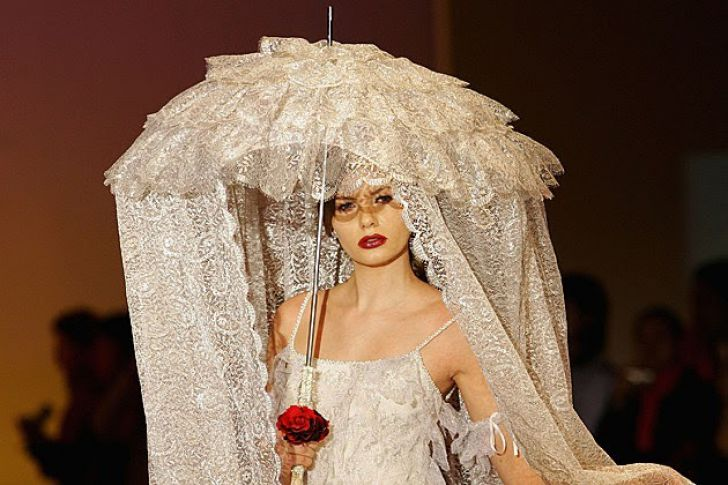 20 Most Creative Wedding Dresses You've Ever Seen_14