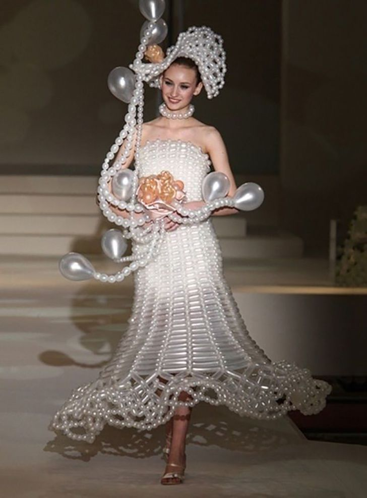 20 Most Creative Wedding Dresses You've Ever Seen_17
