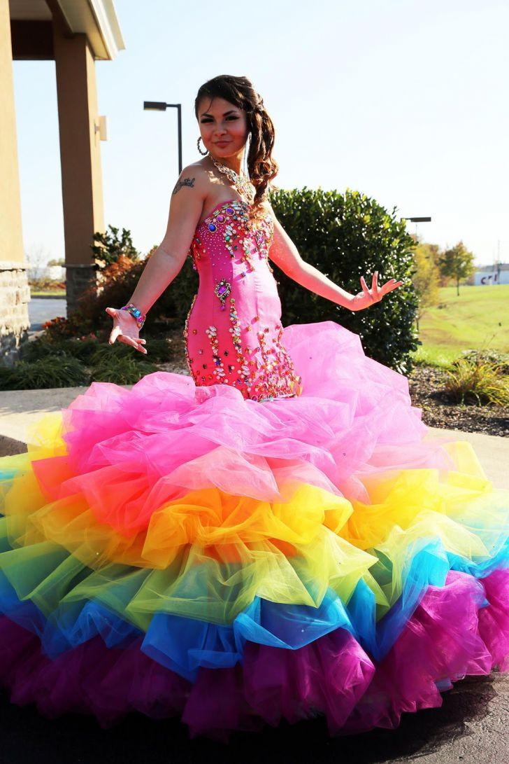 20 Most Creative Wedding Dresses You've Ever Seen_19