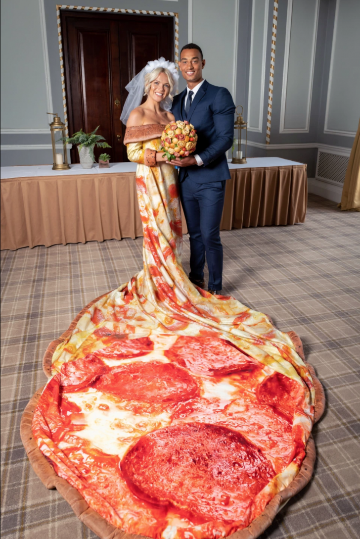 20 Most Creative Wedding Dresses You've Ever Seen_2