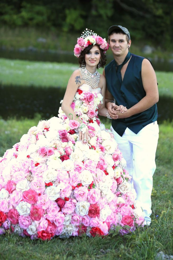 20 Most Creative Wedding Dresses You've Ever Seen_5