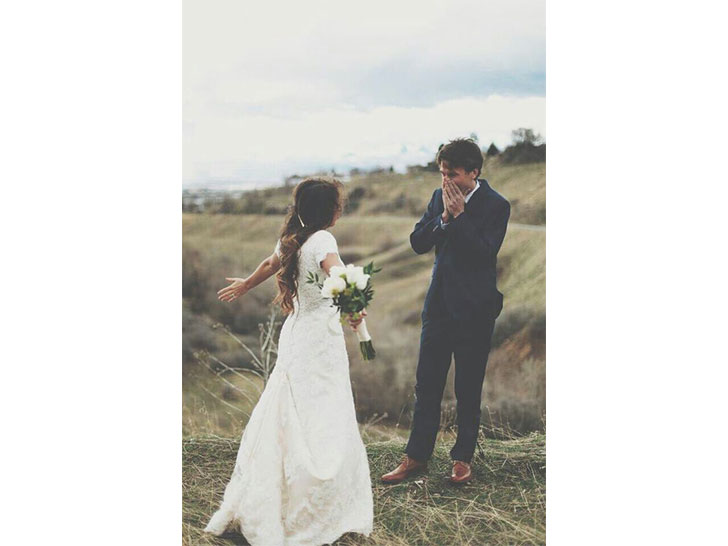 20-priceless-wedding-first-looks_17