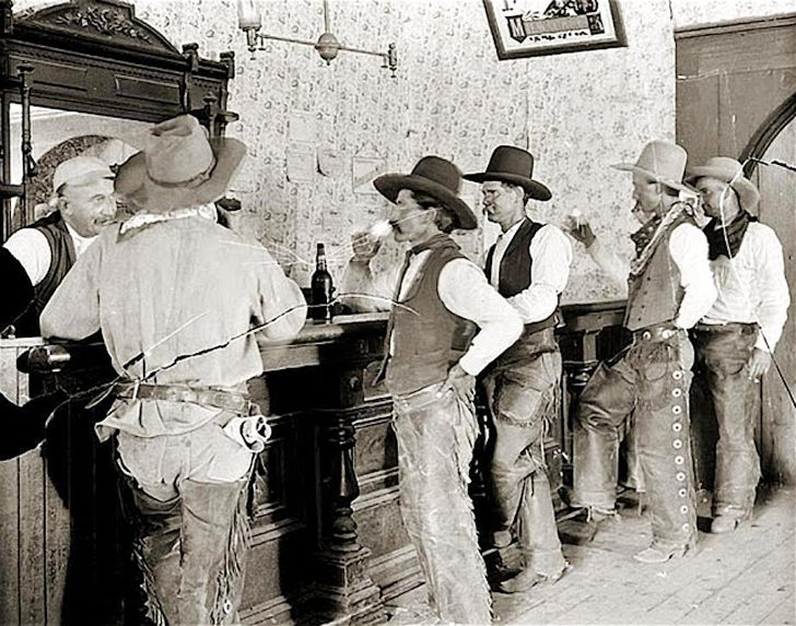 20 Unedited Photos Unfold A Real Wild West_20