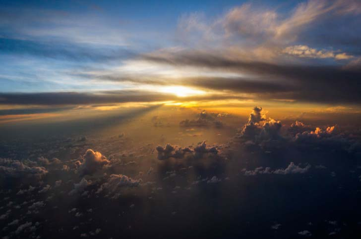 21-fantastic-pics-taken-from-an-airplane-window_13