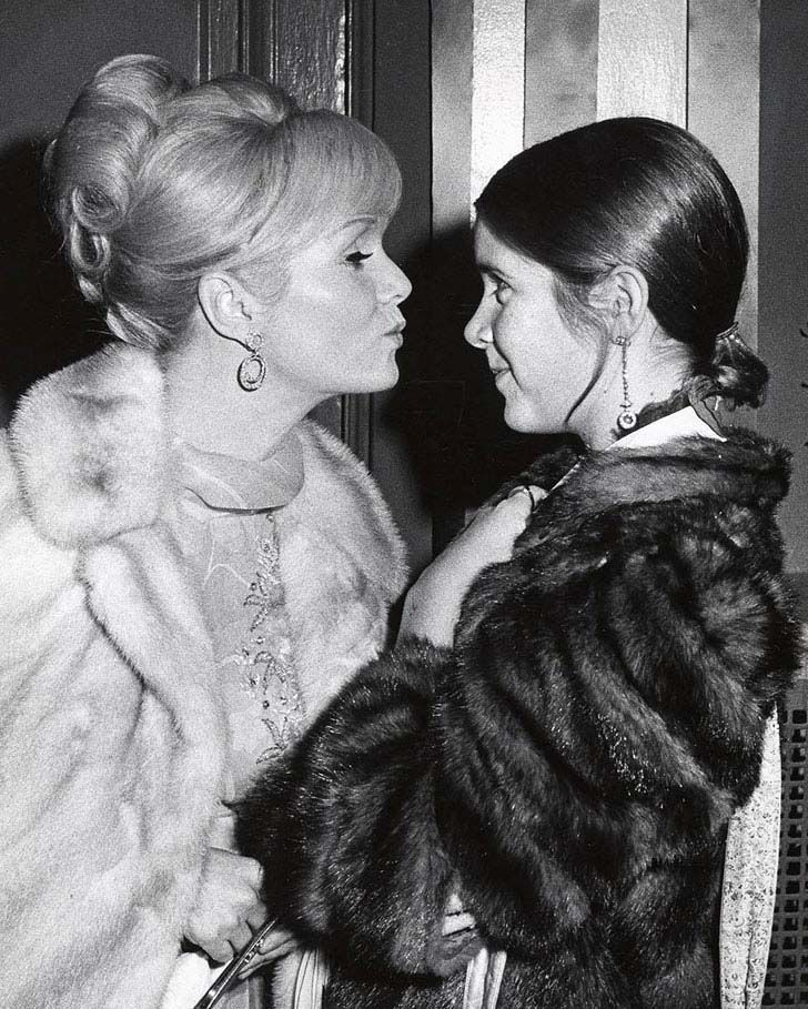 25-vintage-photos-of-carrie-fisher-and-debbie_21