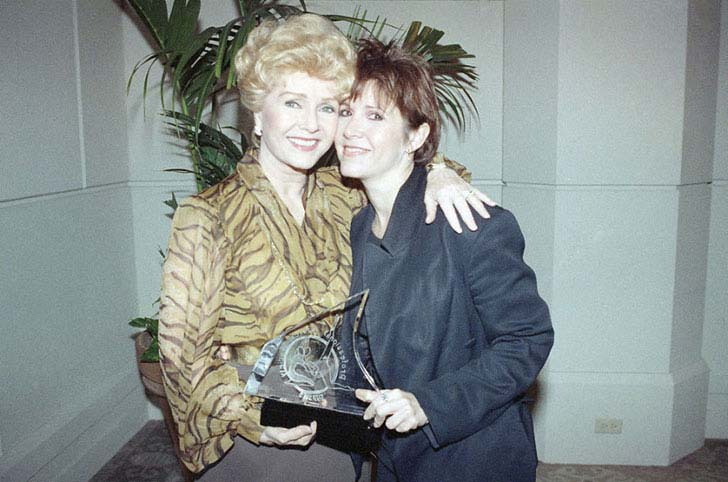 25-vintage-photos-of-carrie-fisher-and-debbie_26