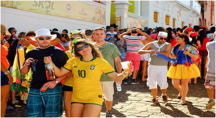 8-reasons-why-a-single-guy-should-visit-brazil-immediately_2