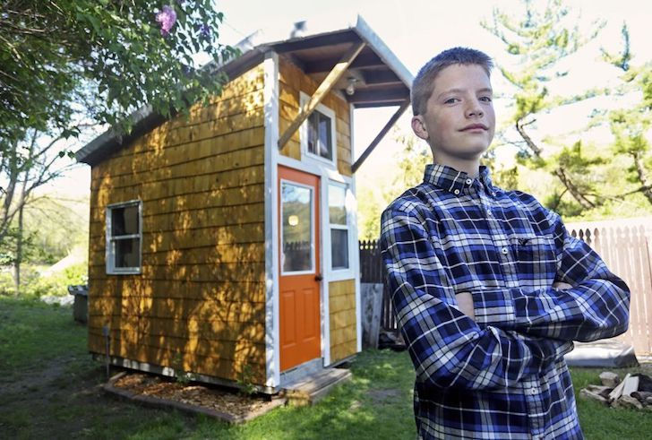 at-the-age-of-13-he-built-a-house-that-surprised-everyone-with-only-1500_17