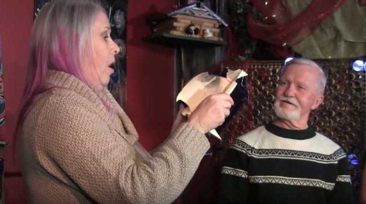 Man Kept Ex's Christmas Gift Unopened For 47 Years, Then He Finds Out What's Inside_13