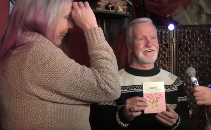 Man Kept Ex's Christmas Gift Unopened For 47 Years, Then He Finds Out What's Inside_14