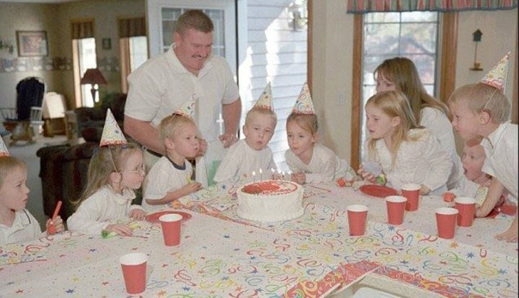 no-one-expected-what-would-become-of-the-worlds-first-surviving-septuplets_16
