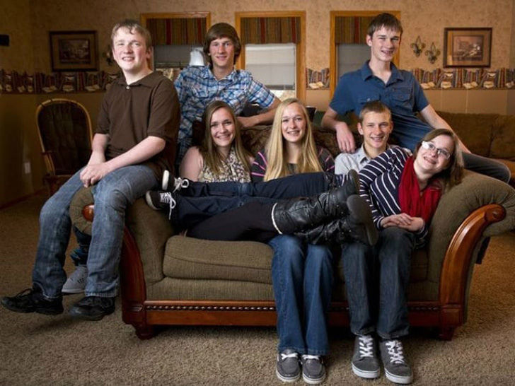 no-one-expected-what-would-become-of-the-worlds-first-surviving-septuplets_24