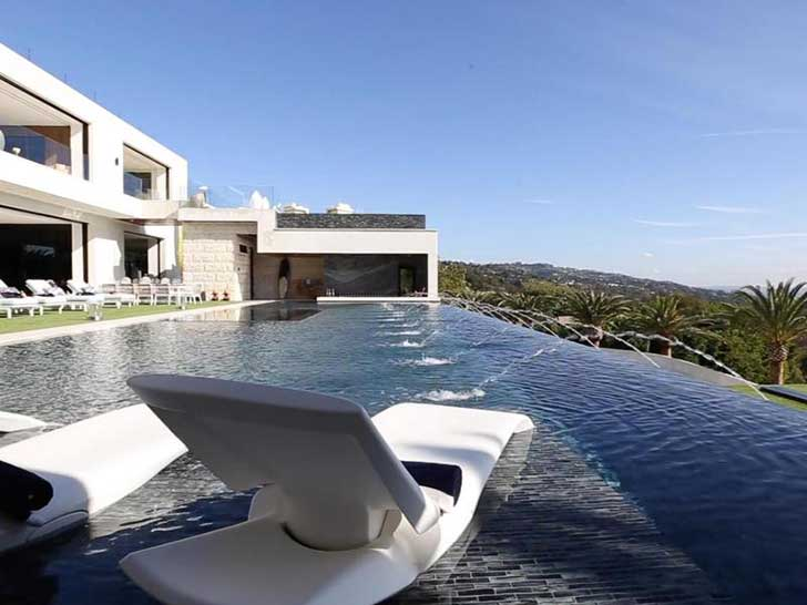 the-countrys-most-expensive-home-is-mind-bogglingly-luxurious_7