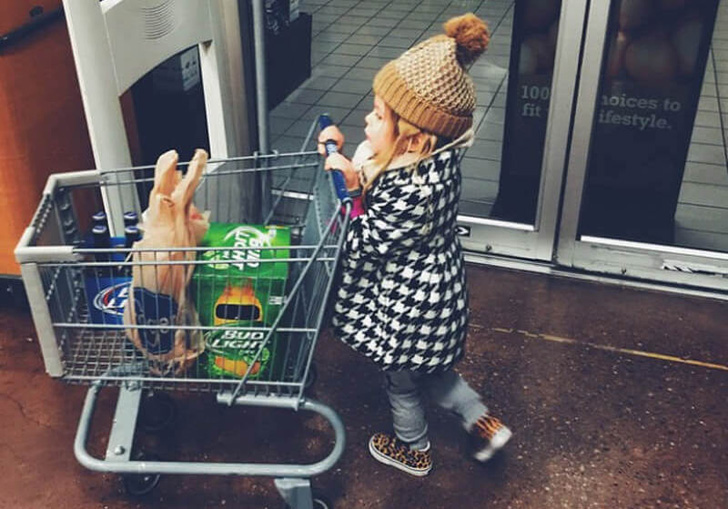 these-20-photos-perfectly-depict-what-parenting-really-looks-like_9
