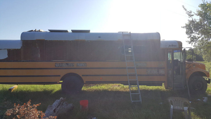 this-man-spent-15k-to-transform-2200-school-bus-into-tiny-home_17