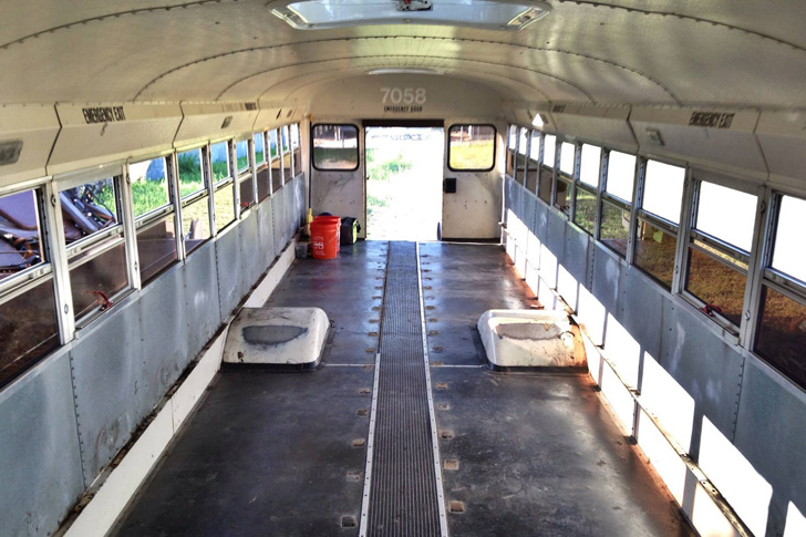 this-man-spent-15k-to-transform-2200-school-bus-into-tiny-home_5
