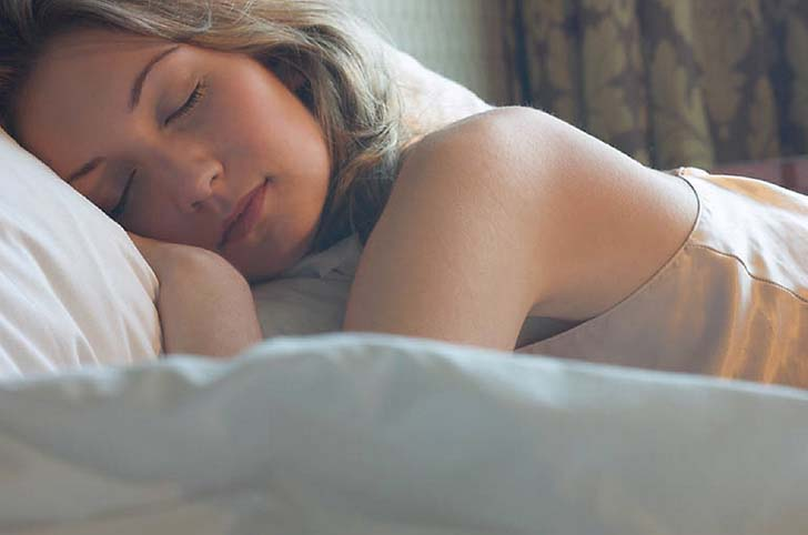 women-need-more-sleep-than-men-according-to-new-research_3