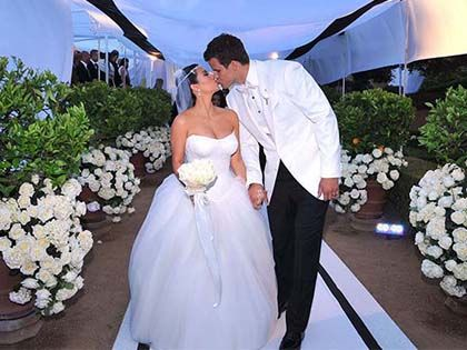 10 Special Celebrity Wedding Themes
